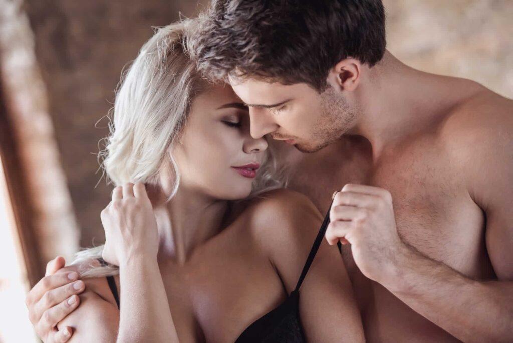 Le sexe sans pénétration : 3 astuces pour lui faire atteindre l'orgasme !